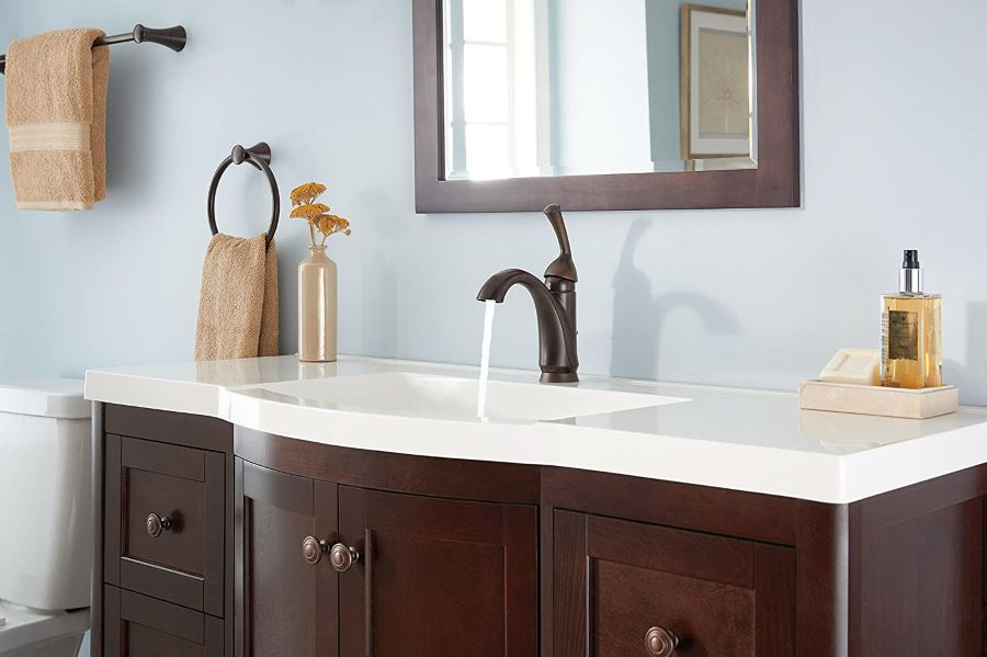 single handle vintage style bathroom faucet