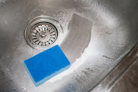 remove had water stains from sink